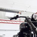 Motorka a výše Schwankův tmavý zářič z řady calorSchwank.