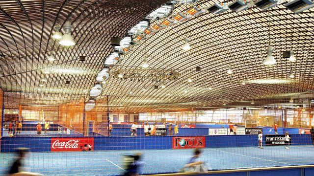 Efficient sports hall heating systems